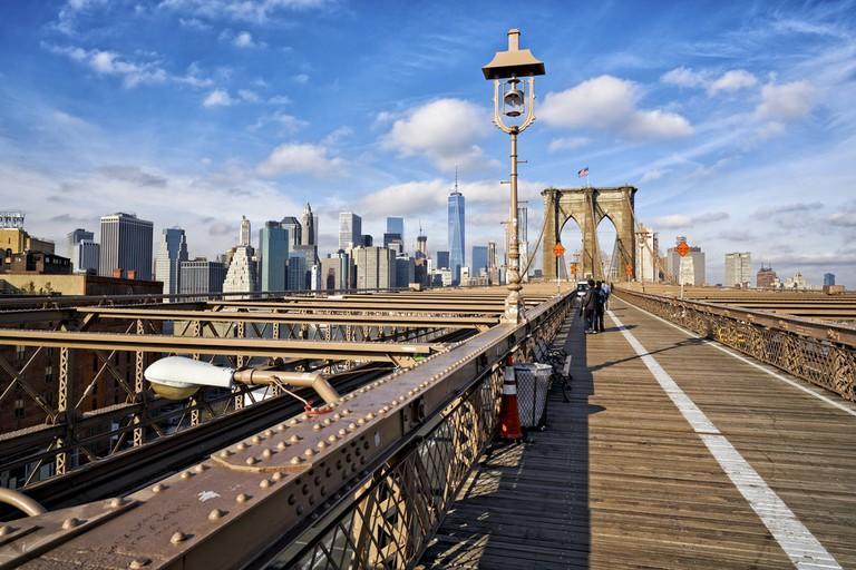 Pedestrian Brooklyn Bridge, New York.